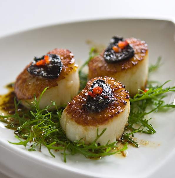 Black Garlic with Scallops