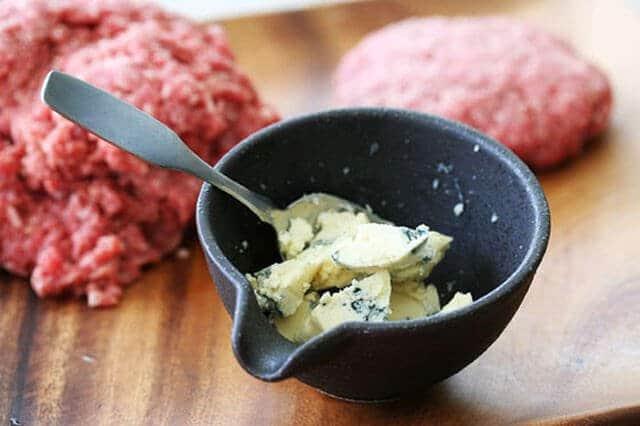 Gorgonzola Stuffed Hamburgers