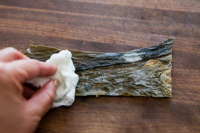how to make miso soup from scratch - kombu