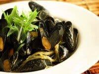 mussel-thai-lemongrass-coconut-curry-recipe