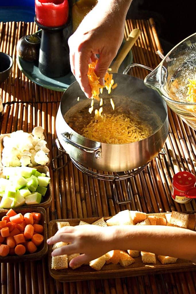 aged-cheddar-guinness-fondue-2