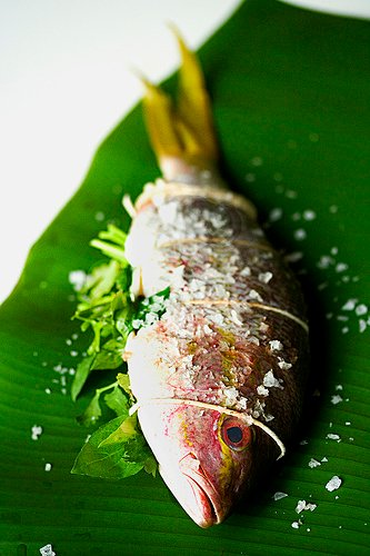 Grilled Whole Fish On Banana Leaf Steamy Kitchen Recipes