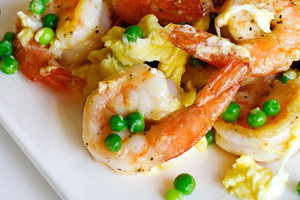 Stir Fried Shrimp, Eggs and Peas