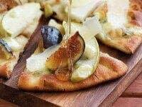 warm-fig-apple-gorgonzola-flatbread