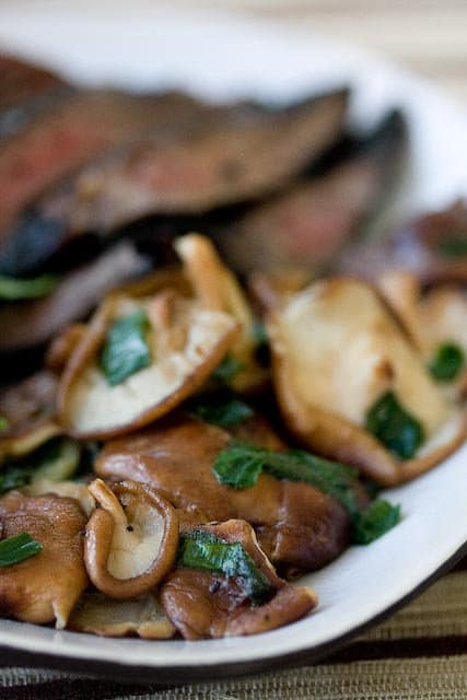 recipe: flank steak with mushroom ragout [7]