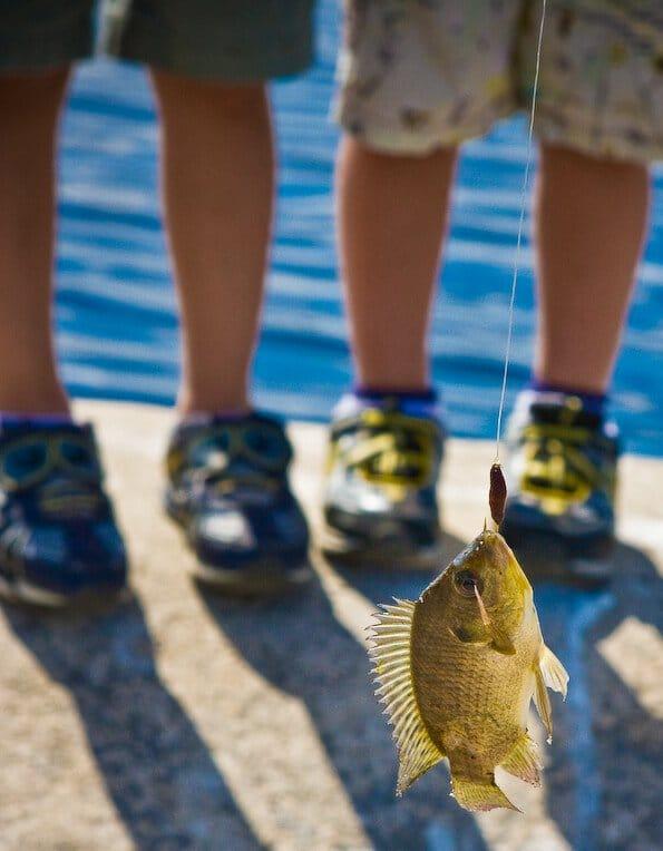 boys-fishing-035