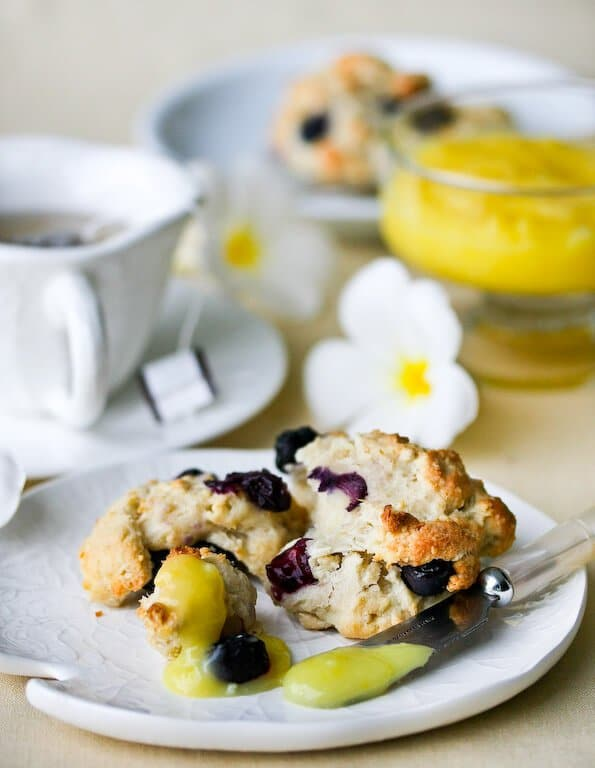 blueberry-scones-lemon-glaze-25