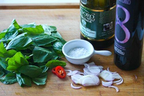 caprese-salad-basil-vinaigrette-44