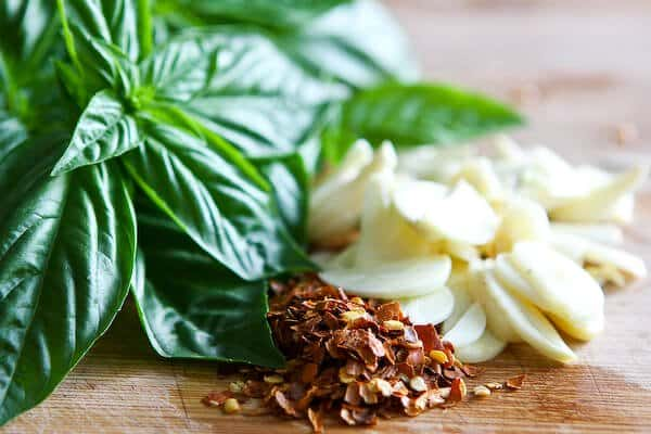 Garlic Basil Oil Ingredients