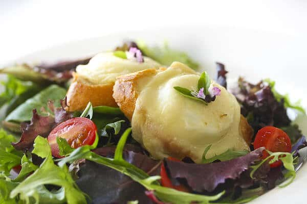 0912_salad-goat-cheese-baguette_3854