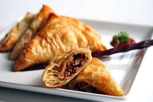 Chinese Pastries with Hoisin Chicken