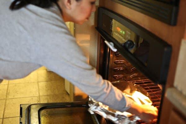 putting ham recipe in oven