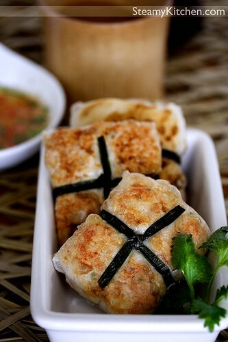 Coriander Fish Cakes with Thai Dipping Sauce
