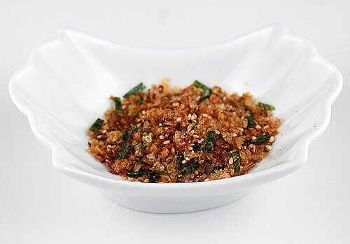 japanese furikake as a crunchy topping for buddha bowls