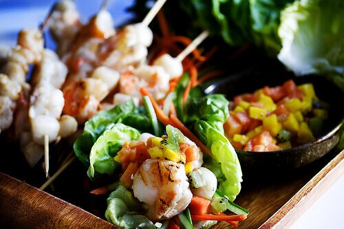 Grilled Shrimp Lettuce Cups with Tropical Fruit Salsa