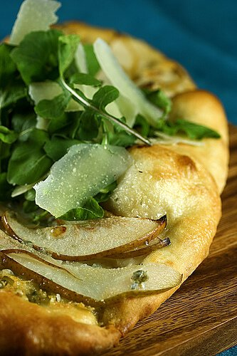 Pear and Gorgonzola Flatbread with Baby Arugula and Shaved Parmesan