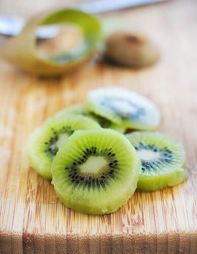 How to peel Kiwi Fruit