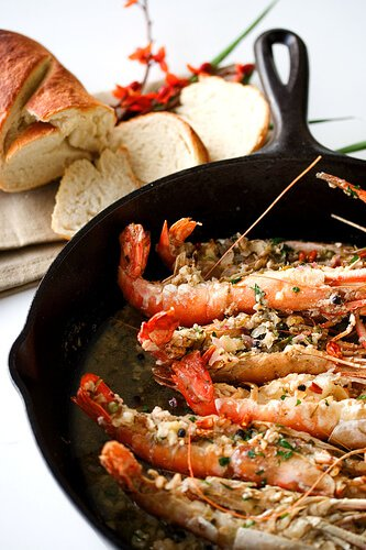 Garlic shrimp recipe in pan