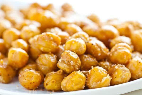 Super Crispy Roasted Chickpeas Recipe