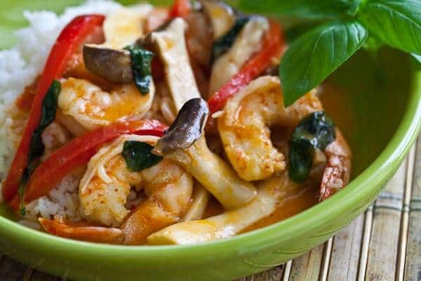 10-Minute Shrimp and Mushroom Thai Curry • Steamy Kitchen ...