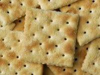 saltine-crackers-e1285947127694