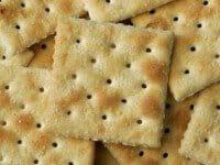 saltine-crackers-e1285947127694
