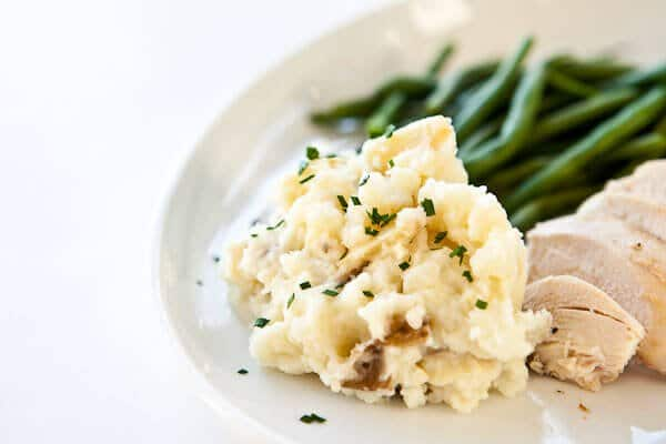 scoop of garlic mashed potatoes