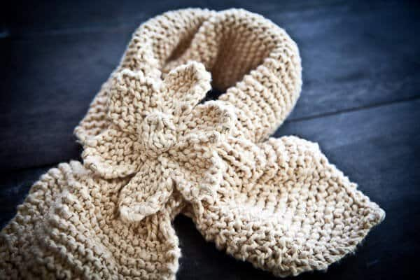 Mary Jane Slippers Knitting Pattern : Easy Knit Scarfette With Flower Pattern - Steamy Kitchen Recipes