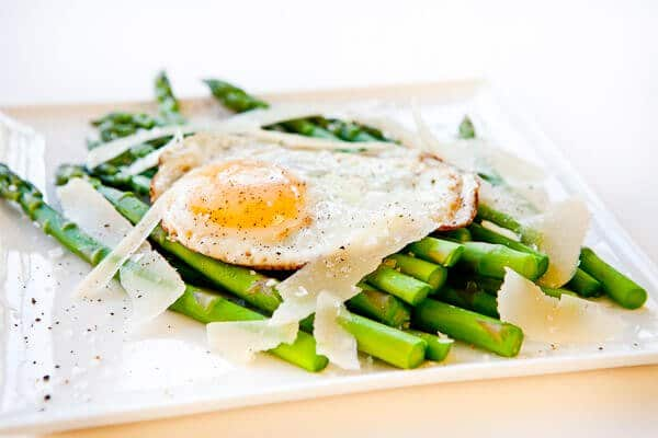asparagus and fried egg s on garlic toast korean rice bowl with steak ...