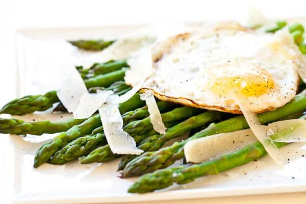 Asparagus with Fried Egg and Parmesan Cheese Recipe