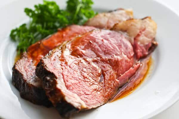 perfect prime rib on plate