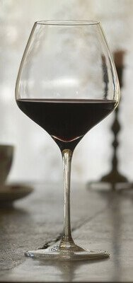 the one wine glass for red.jpg