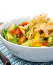 Salad in bowl white grd L-2