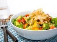 Salad in bowl white grd L-2