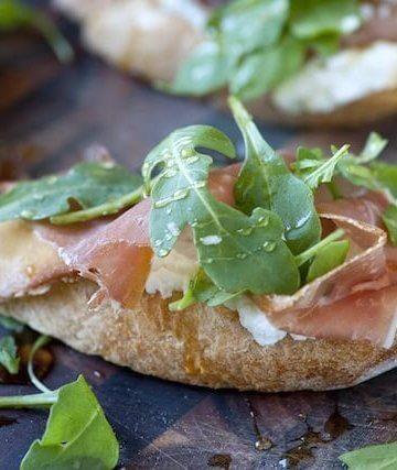 Prosciutto-and-Ricotta-Crostini-with-Honey-Recipe-2.jpg