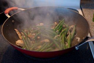 How to Stir Fry Green Bean and Shiitake Mushrooms