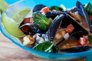 Spicy-Steamed-Mussels-Miso-Recipe-410.jpg