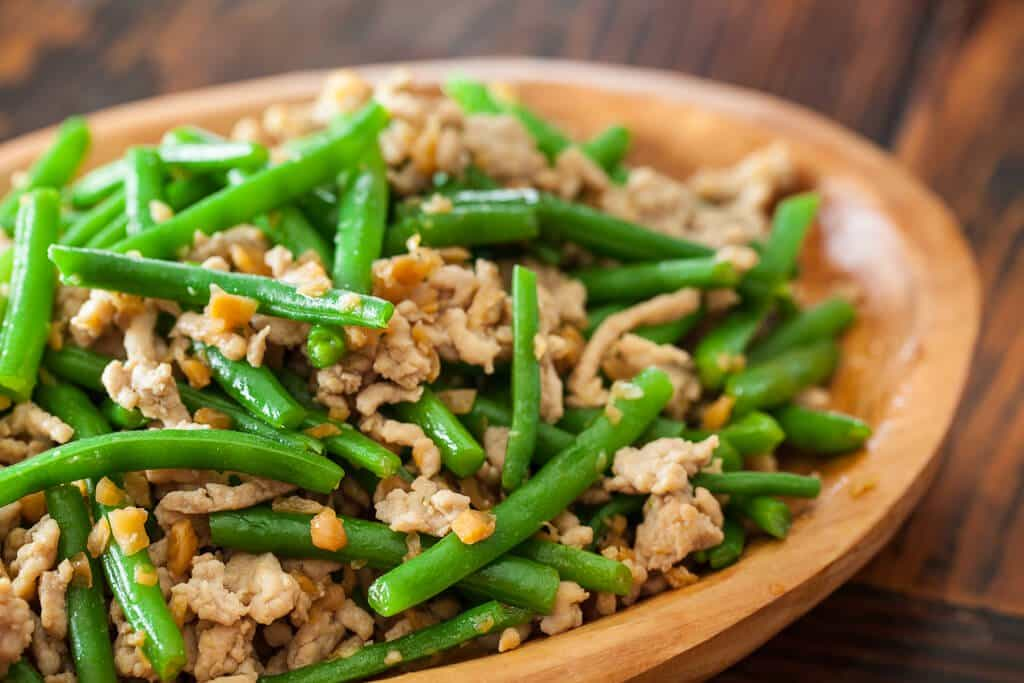 Green beans with chinese preserved radish stir fry steamy kitchen green bean stir fry with chicken and preserved radish forumfinder