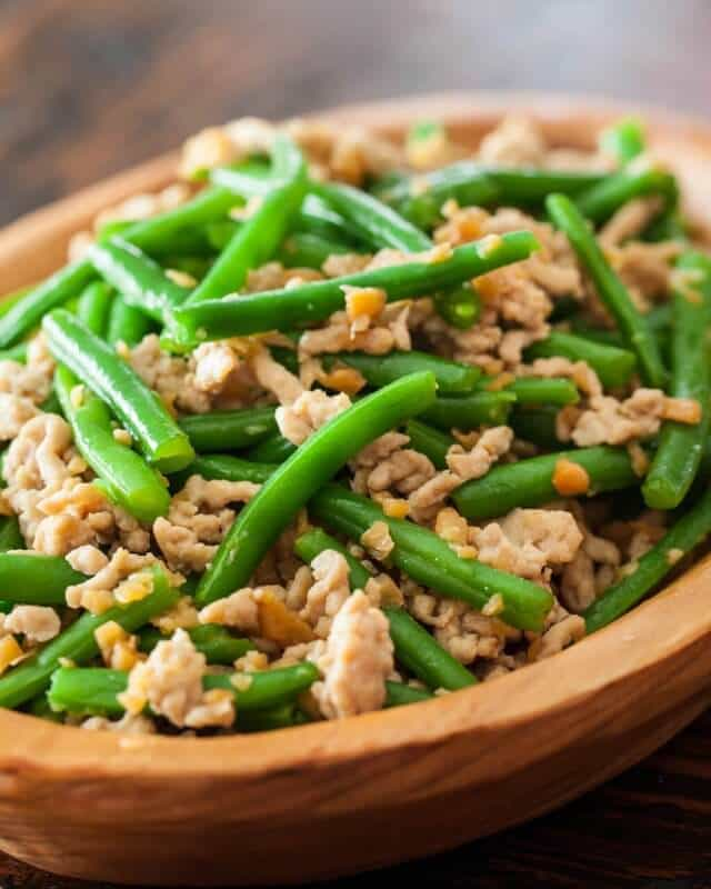 Green Bean Stir Fry with Chicken and Preserved Radish