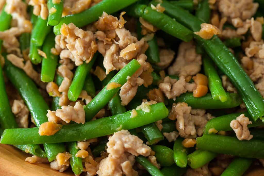 Green beans with chinese preserved radish stir fry steamy green bean stir fry with chicken and preserved radish forumfinder Gallery