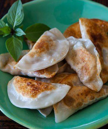 mushroom-tofu-dumplings-recipe-featured-1731