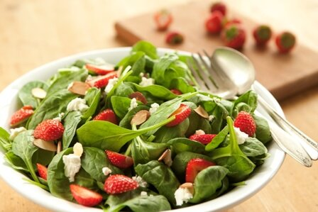 Spinach and Strawberry Salad_sm