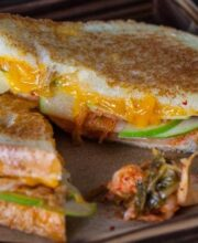 grilled kimcheese sandwiches featured-9851