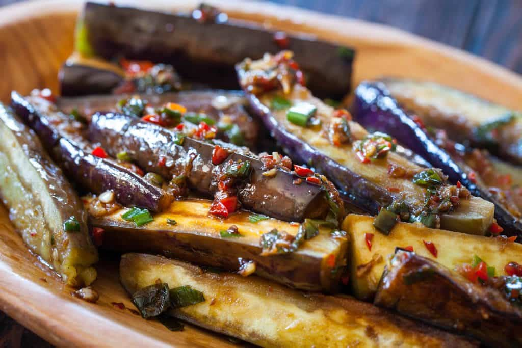 Chinese eggplant recipe with spicy garlic sauce steamy for Aubergine cuisine