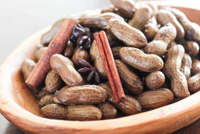 bowl of chinese-boiled-peanuts