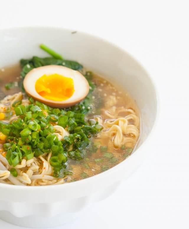 instant pot ramen with egg