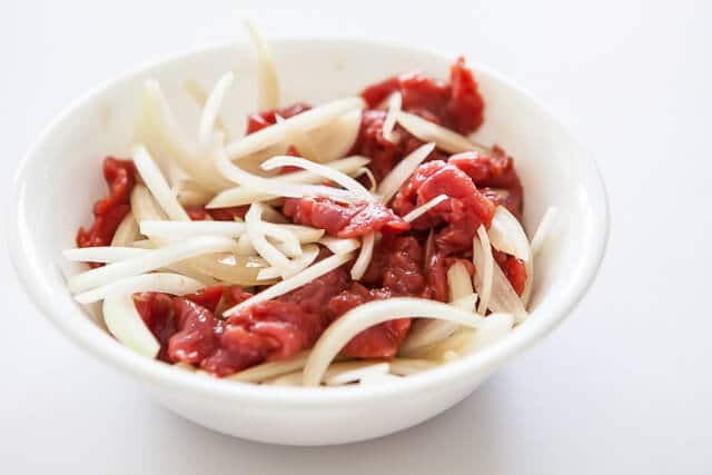 Korean Zucchini Noodle recipe - marinate beef onion