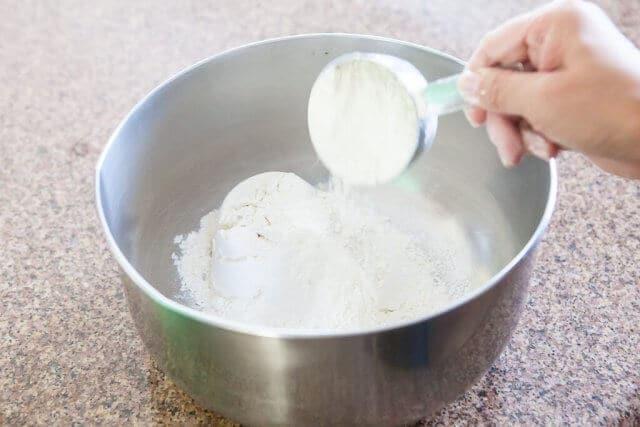 flour in pot