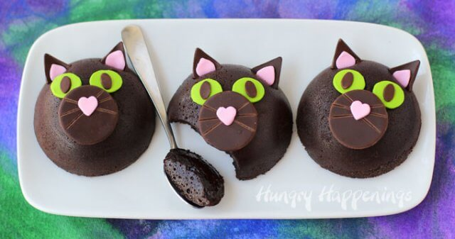 black-cat-cakes-halloween-desserts-for-adults-