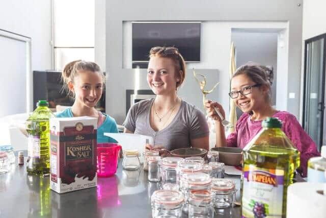 how to make salt sugar scrub-6309